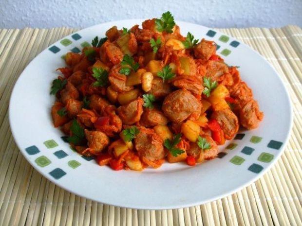 Kostka sojowa z warzywami