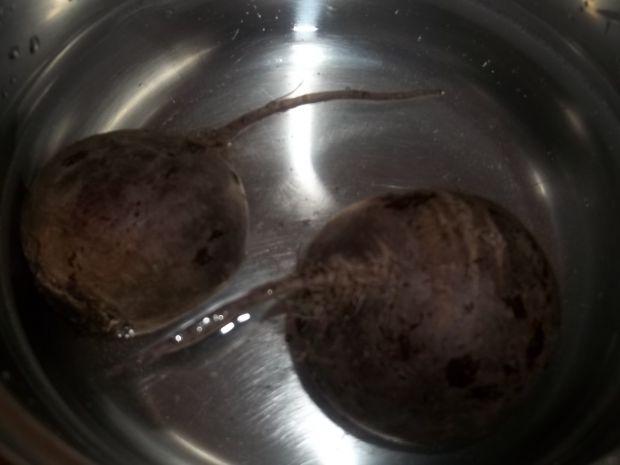 Kotleciki drobiowe z buraczkami