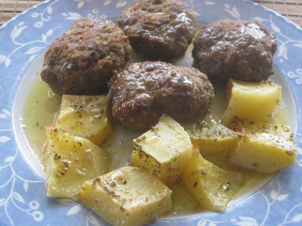 Kotleciki  pieczone z ziemniakami
