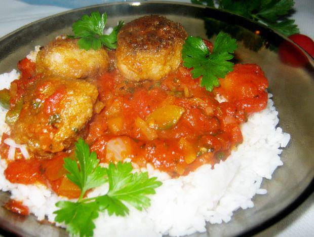 Kotleciki w pomidorowym sosie