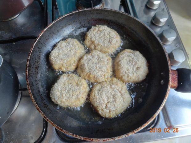 Kotleciki z cieciorki i ziemniaków
