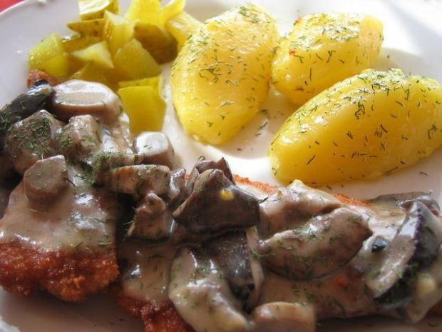 Kotleciki z sosem grzybowym