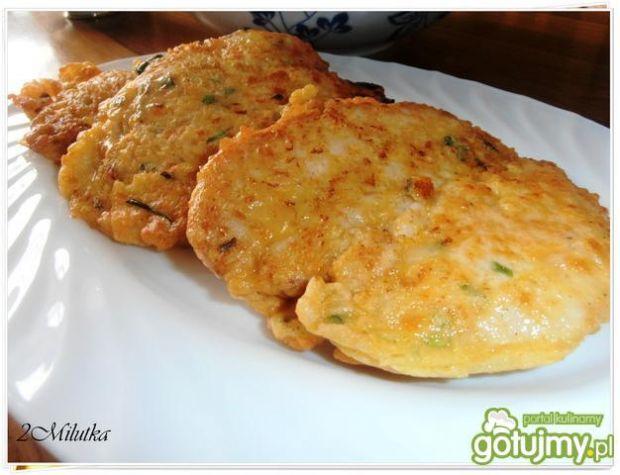 Kotleciki ze szczypiorkiem otulone serem