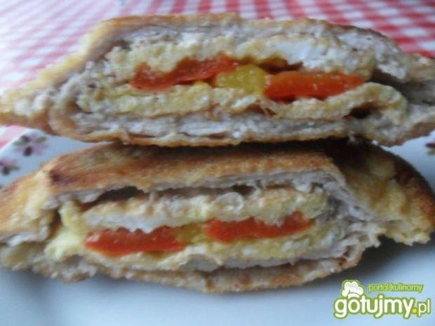 Kotlet schabowy z omletem i papryką