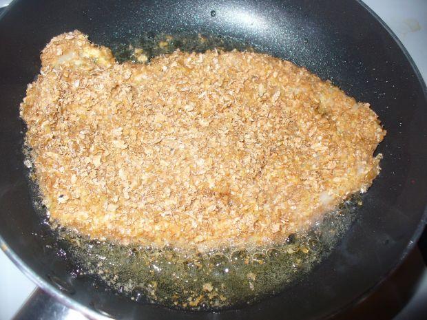 Kotlet z kurczaka w panierce z otrąb pszennych