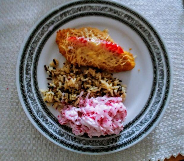 Kotlety drobiowe z papryką i serem