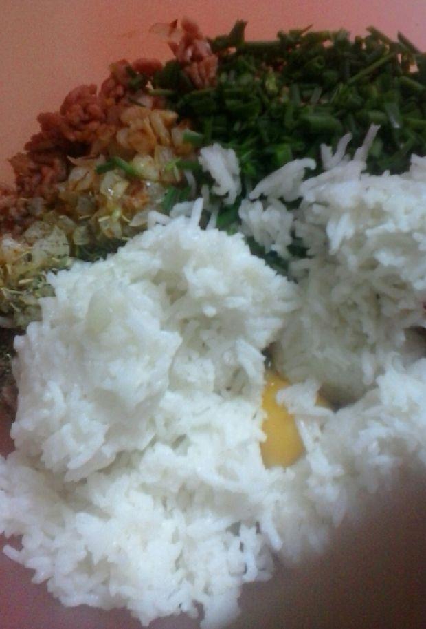 Kotlety mięsno - ryżowe ze szczypiorkiem