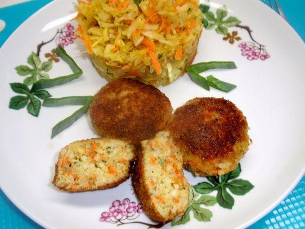 Kotlety rybne z selerem i marchewką