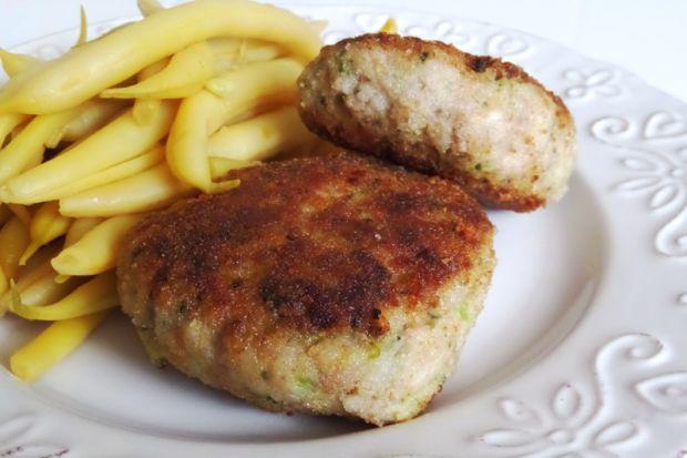 Kotlety ryżowo-mięsne z brokułem