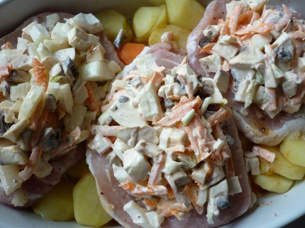 Kotlety schabowe z cebulą i pieczarkami