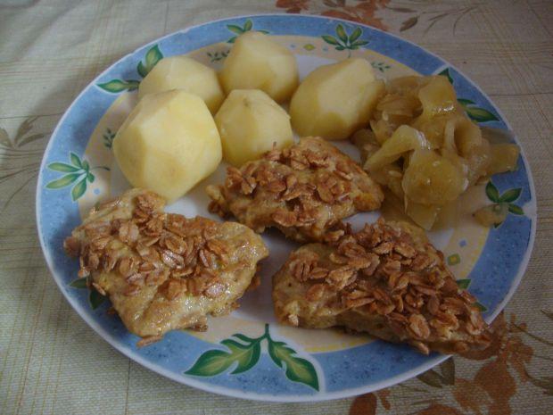 Kotlety sojowe w płatkach owsianych z ziemniakami