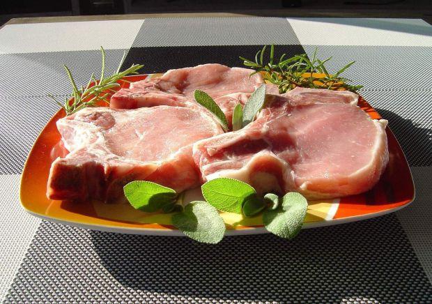 Kotlety wieprzowe z rozmarynem i szałwią