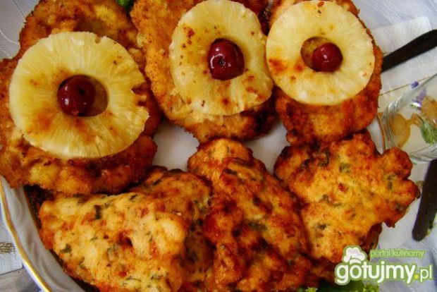 Kotlety z ananasem i wiśnią