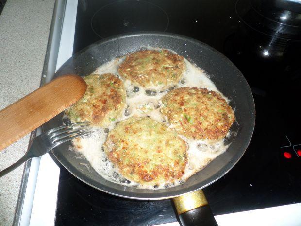 Kotlety z jajek i brokuła