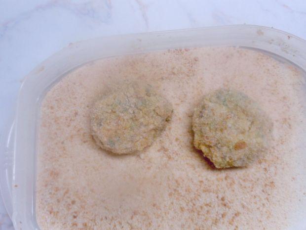 Kotlety z kaszy jaglanej z kapustą