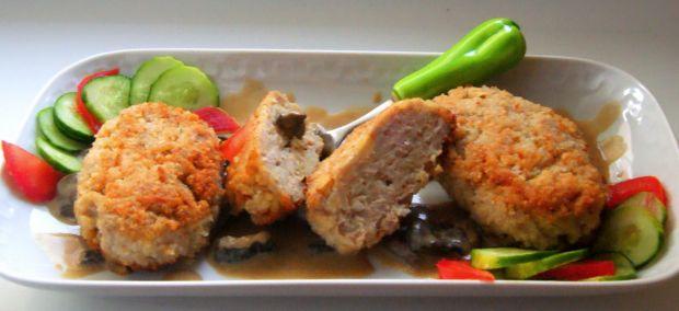 Kotlety z mielonego z ryżem + sos grzybowy