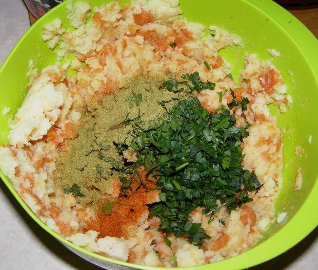 Kotlety z ziemniaków i marchewki