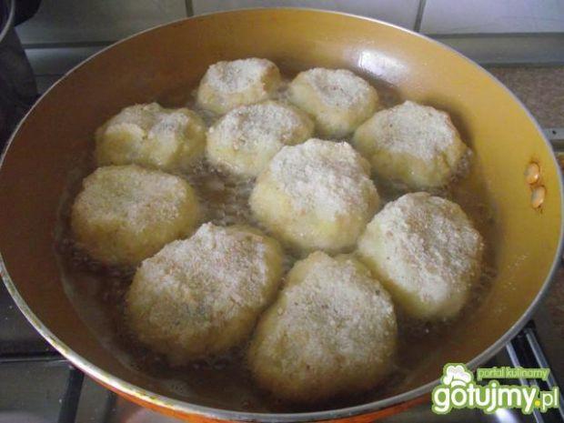 Kotlety ziemniaczne z pieczarkami