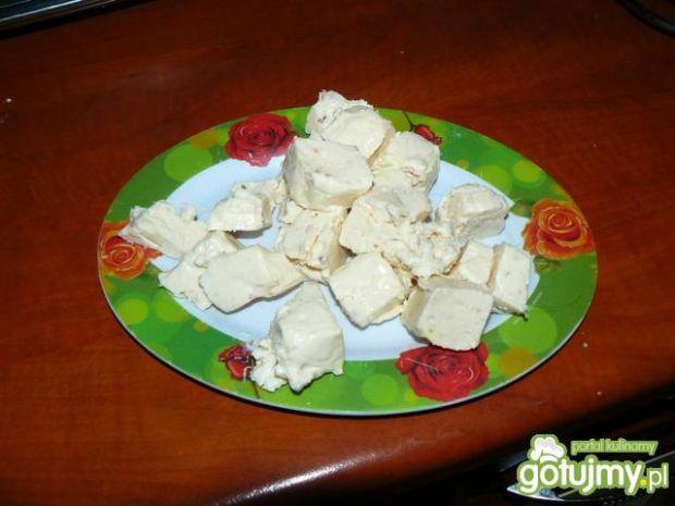 Krem serowo - cebulowy z grzankami