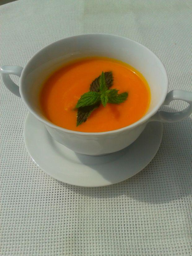 Krem z marchewki z subtelną nutą imbiru