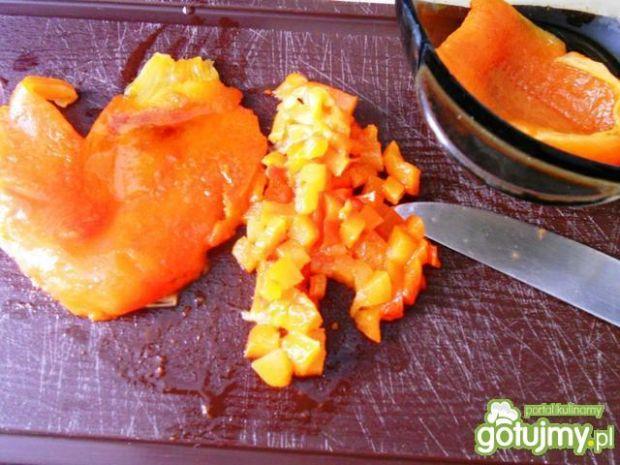 Krem z marchwi z pieczoną papryką
