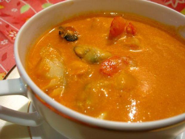 Krem z pomidorów z rybą
