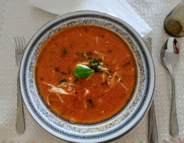Kremowa pomidorowa ze świeżych pomidorów