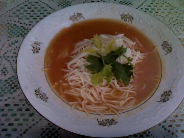 Kremowa zupa ''caprese''