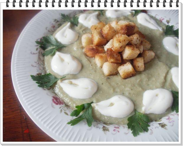 Kremowa zupa Eli z bobu i cukinii