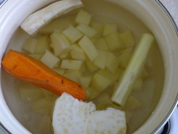 Kremowa zupa z czosnku