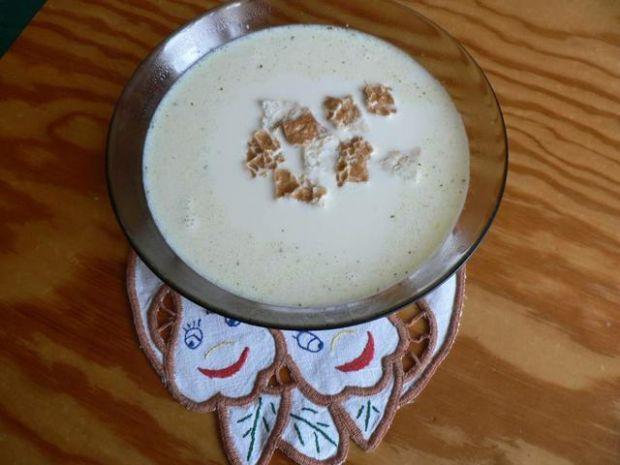 Kremowa zupa z serków topionych