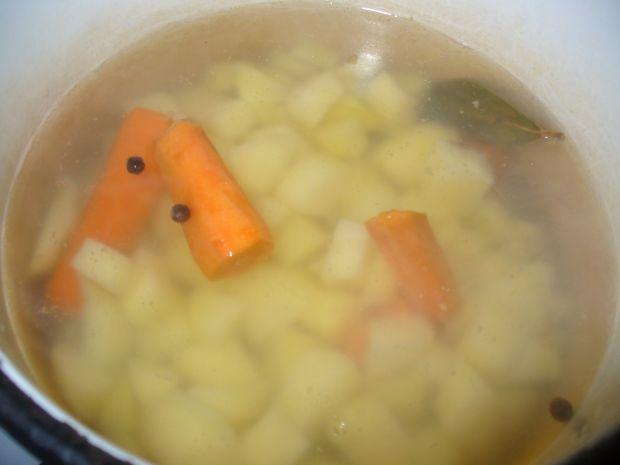 Kremowa zupa z ziemniakmi