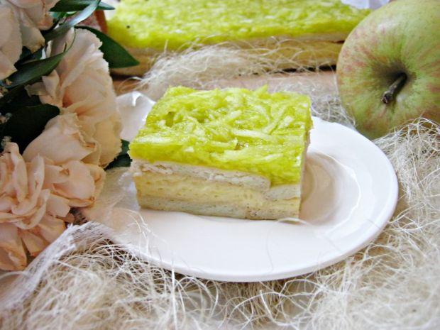 Kremówkowe na herbatnikach z jabłkami