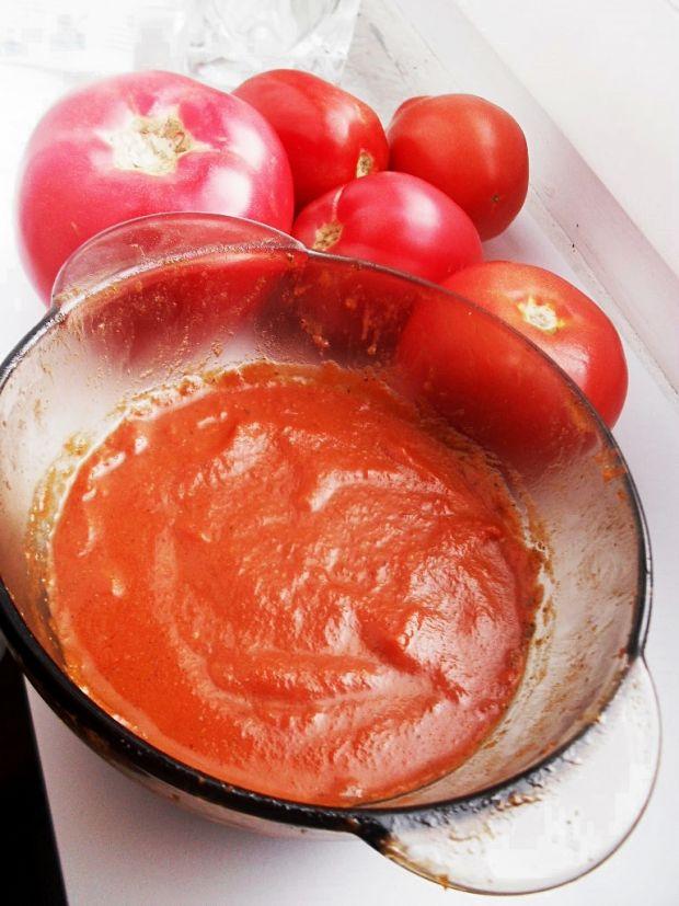Kremowy sos ze świeżych pomidorów