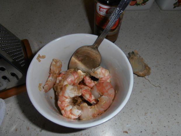 Krewetki w marynacie z imbiru pieczone w cieście