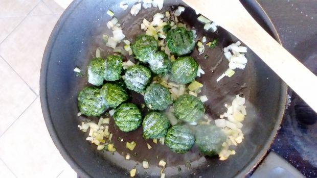 Krokiety ze szpinakiem, tartym jajkiem i s.wiejski