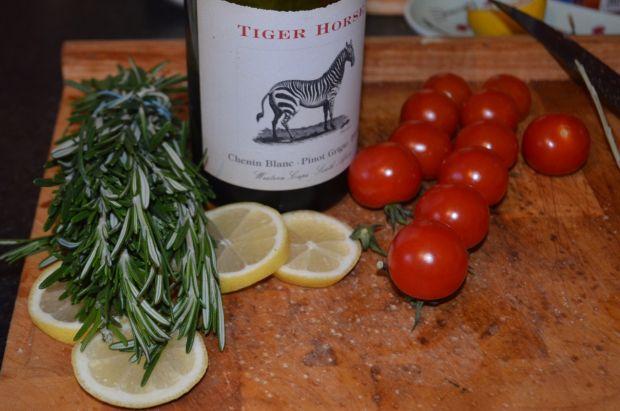Królik w winie, cytrynie i rozmarynie