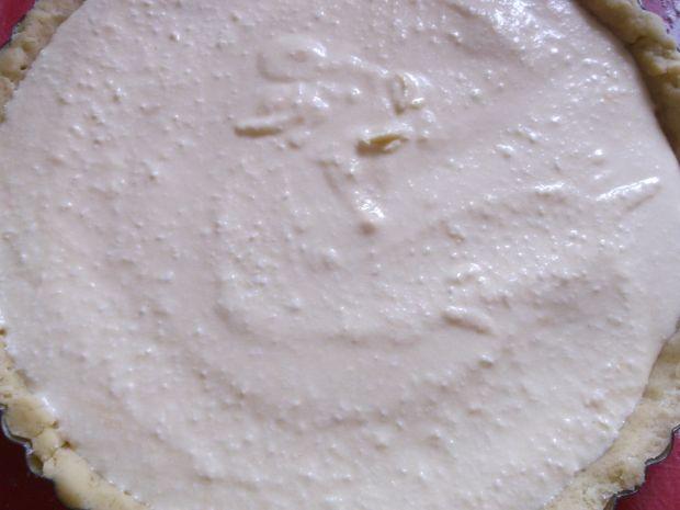 Krucha tarta serowa z jeżynami