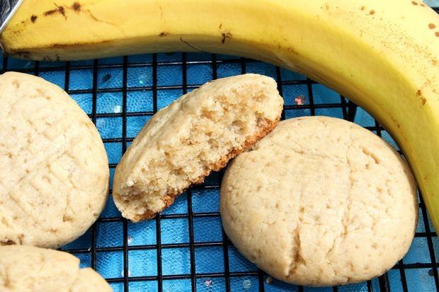 Kruche ciasteczka bananowo-orzechowe