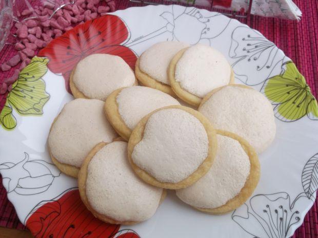 Kruche ciasteczka bezowe