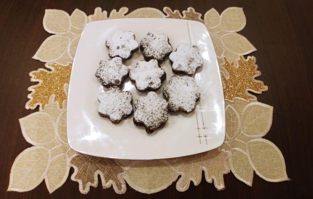 Kruche ciasteczka kakaowe przekładane dżemem