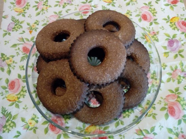 Kruche ciasteczka kakaowo - orzechowe