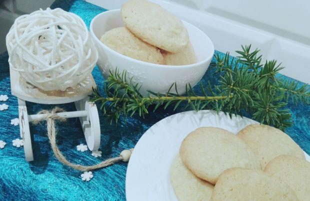 Ciasteczka z kokosem i białą czekoladą