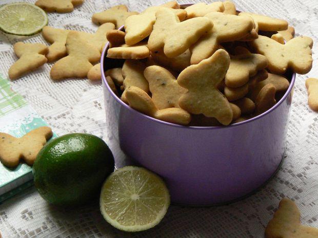 Kruche ciasteczka z limonkową nutę