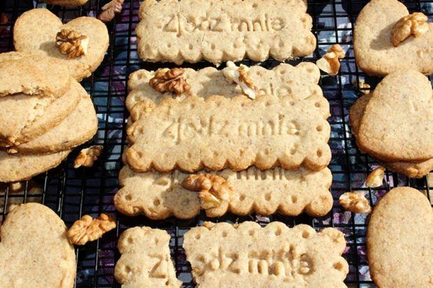 Kruche ciasteczka z orzechami włoskimi