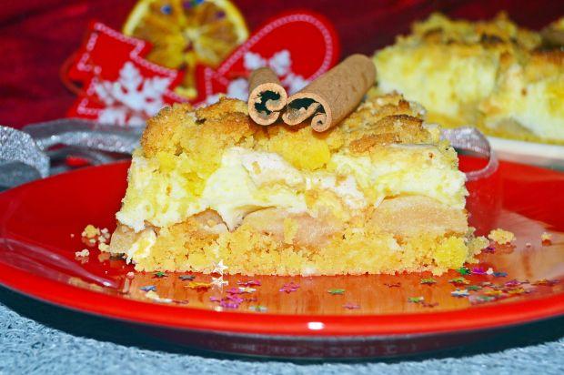Kruche ciasto z pianką i gruszkami