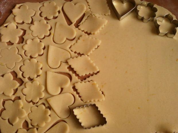Kruche cytrynowe ciasteczka
