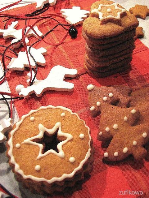 Kruche korzenne herbatniki świąteczne