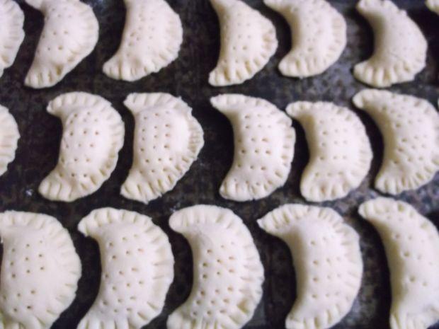 Kruche pierożki z serem feta