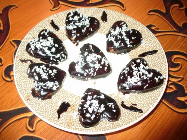 Kruche serduszka w polewie kakaowej z kokosem